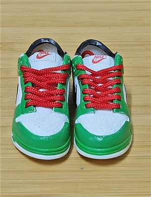 "1/6 Scale Sneakers Nike Air Jordan Shoes for 12"" figure with white and green color"