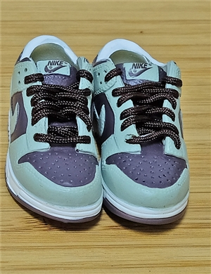 "1/6 Scale Sneakers Nike Air Jordan Shoes for 12"" figure with green and brown color"