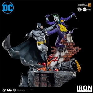 Iron Studios Batman vs The Joker: DC Comics